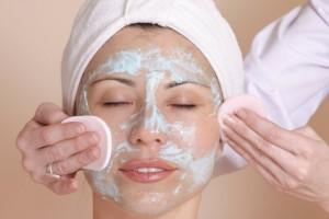 Omdat reiniging bij de hammam-massage centraal staat, behoort een flinke scrub tot het massageritueel ©Leah-Anne Thompson - Fotolia